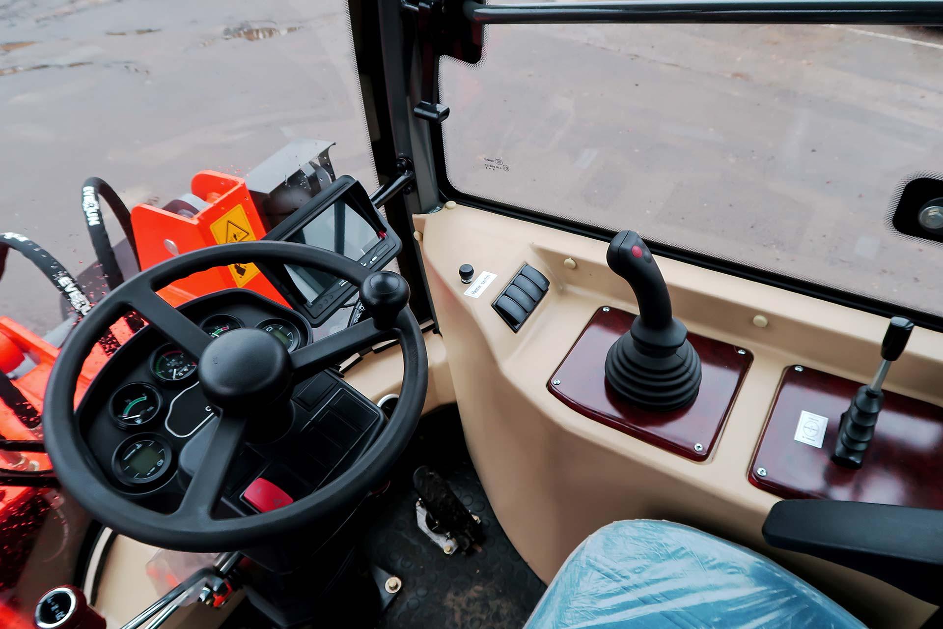 Everun ER 25 4WD Hoflader